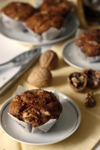 Muffin speziati con miele e noci