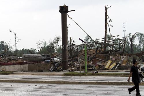 tuscaloosa tornado damage. Tuscaloosa Alabama tornado