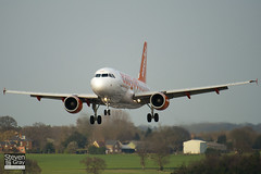 G-EZAZ - 2829 - Easyjet - Airbus A319-111 - Luton - 110401 - Steven Gray - IMG_3588