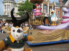 img_6495 (Dave Reinhardt) Tags: paris france disneyland capetown parade disneylandparis teddybok