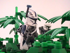 Track (Brickcentral) Tags: trooper star track lego wars clone bombs breaker