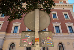 (dug_da_bug) Tags: madrid streetart spain stickers east pegatinas tal joen rombos wase fatuo taltevigila fulge fatuofantasma