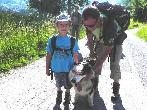 Quentin,son papa et Noa le gentil chien - F. du bois 010.jpg