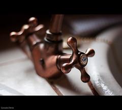 detalles de un grifo / details of a tap (- GD photography -) Tags: kitchen rural 50mm bokeh f14 cocina tap viejo detalles grifo