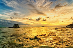 #850B6856 - Golden Sea (crimsonbelt) Tags: sunset sea beach indonesia boats golden explore balikpapan melawai