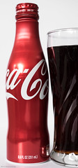 Day 111 (Wouter de Bruijn) Tags: red cold glass metal bottle aluminum cola drink coke fujifilm 111 cocacola 365 aluminium productphotography xt1 fujinonxf35mmf14r