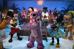Dance Party at Stitch's Hawaiian Paradise Party (Castles, Capes & Clones) Tags: paris france angel stitch elvis disney mickeymouse hawaiian pluto minniemouse lilo disneylandparis disneycharacters marnelavallée lilostitch disneyvillage stitchshawaiianparadiseparty