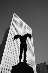 Icare (Zik Photography) Tags: bw paris building tower architecture canon blackwhite noiretblanc ladefense 1022mm immeuble dfense icare graphisme graphism 50d ladfensehautsdeseine
