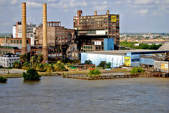 New Orleans: Sweet Industry (StGrundy) Tags: travel cruise usa industry architecture river palms la nikon louisiana industrial unitedstates south tide neworleans landmark southern architect mississippiriver nola highwater current crescentcity 100yearsold arabi sugarrefinery levee dominosugar deepsouth thebigeasy greekrevival stbernardparish chalmette norwegiancruiselines floodstage nclspirit d80 jamesdakin chalmetterefinery caverochouse