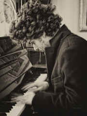 """piano"" (Franco Marconi) Tags: portrait blackandwhite italy monochrome sepia 35mm europe fuji f14 patrick finepix fujifilm ritratto fujinon marche franco 2012 marconi ascoli ascolipiceno piceno grottammare 35mmf14  fujix xpro1  francomarconi fujinon35mm fujixpro1 fujifilmxpro1 fujifilmfinepixxpro1 fujinonxf35mmf14r fujinon35mmf14 finepixxpro1"