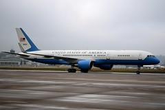 US Airforce - B752 (yak_40) Tags: usaf usairforce zrh b752 90003 boeing752200 wef2014
