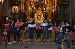 Peregrinos ensayando en la nave central de la Catedral