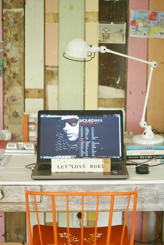 [let love rule] by wood & wool stool