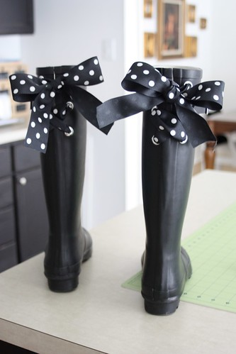 BeachBrights: Embellishing Wellies (Rain Boots) with Ribbon