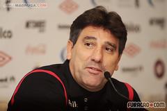Renato Gaúcho é o técnico do Atlético (furacao.com) Tags: de do soccer arena da alfredo futebol atletico renato imprensa gaucho tecnica tecnico baixada coletiva comissao ibiapina reanto portallupi