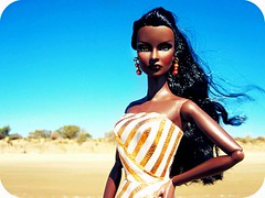 Black Queen (Blythemaniaco) Tags: jason black beach fashion toys reina doll bionic moda playa queen jordan wu negra royalty picnik muñeca integrity