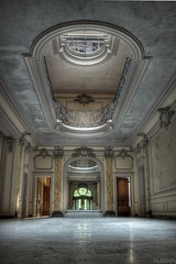 The place to be  [Chateau lumire] (FR) (AleXKa.) Tags: abandoned decay mansion derelict hdr manoir urbex verrire chateaulumire