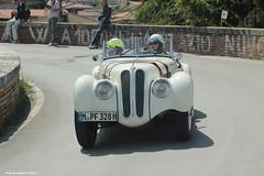 Hendrik v. Kuenheim D Jun Nishikawa J BMW 328 1938 (fotografia per passione) Tags: tuscany bmw toscana valdorcia toscane millemiglia 1000miglia marksoetebier carsr lamillemiglia classiccas mksphoto millemiglia2014 la1000miglia 1000miglia2014