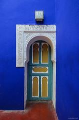 Marocco, Marrakech - Giardini Majorelle (Valeria Conte (Fondi)) Tags: verde marocco marrakech giardini majorelle blu camera 5100 nikon5100 nikon door porta colori colors arabic arte fotografia travel viaggio tour