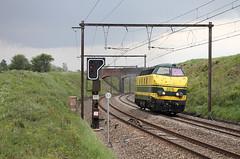 NMBS 6215 @ Assesse (Peter Van Gestel) Tags: brug sein infra spoorbrug nmbs sncb assesse infrabel reeks62 ligne162 serie62 lijn162