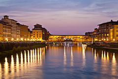 Firenze, tramonto sul Ponte Vecchio (34158) (Danilo Antonini (Pescarese)) Tags: longexposure trip travel sunset vacation italy panorama reflection art tourism water architecture night river landscape living stand florence twilight italia tramonto cityscape arte nocturnal dusk weekend fiume tripod filter tuscany historical firenze arno tosca
