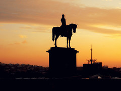 Artúr Görgey equestrian statue at dusk (German Vogel) Tags: silhouette statue bronze europe hungary dusk capital budapest easteurope equestrianstatue magyarország habsburg budavaripalota artúrgörgey artúrgörgeydegörgőettoporcz