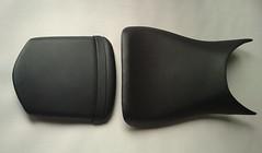 Asientos de moto tapizados en negro (Tapizados y gel para asientos de moto) Tags: naked moto asiento sillin tapizado polipiel tapizar fundatapizadoasientomotogeltapizarfundatapicerosillinscooterhondaantideslizante