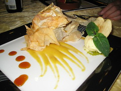 Phyllo with fruits