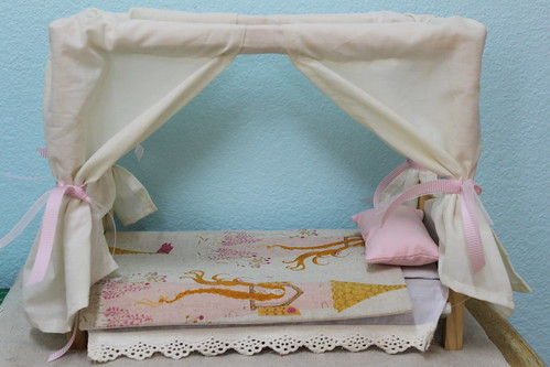 New linens for the princess dolls!