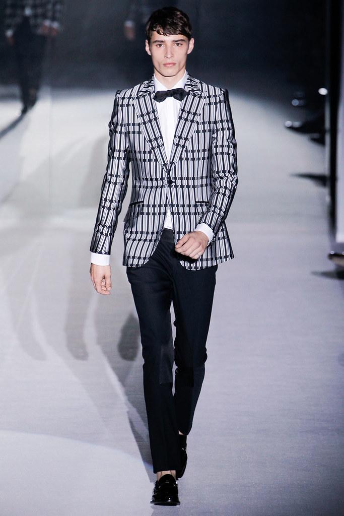 SS12 Milan Gucci037_Adrien Sahores(VOGUEcom)