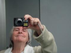 Autoportrait avec camera par Julie70