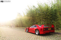 Holy Light For A Holy Supercar (Raphal Belly) Tags: red summer cars car rouge photography eos photo automobile flickr italia photographie picture automotive ferrari erba belly exotic f 7d villa passion auctions 40 este raphael scuderia rb spotting cernobbio supercars deste f40 rm raphal concorso 2011 worldcars deleganza