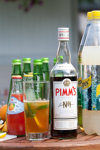 Making Pimm's Cup