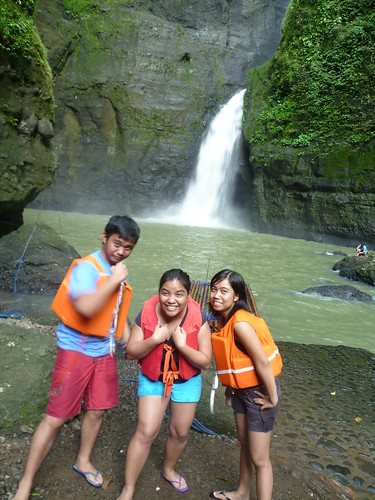 Taking a Canoe Trip to Pagsanjan Falls