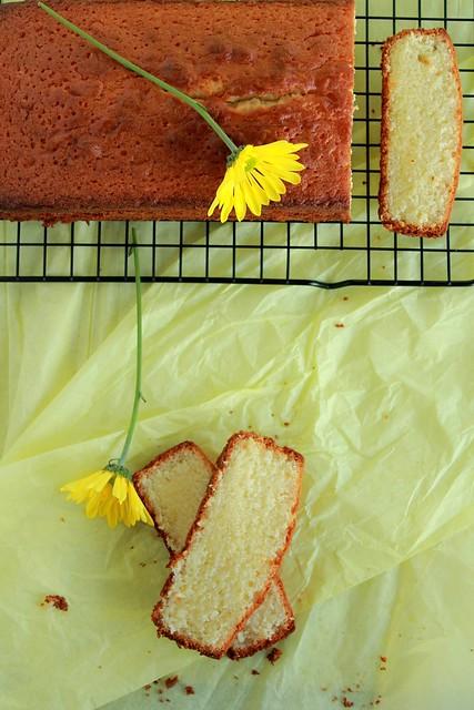 Cake & Daisies