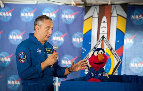 STS-135 Tweetup (201107070007HQ)