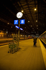1110201922-5D2-663.jpg (ollipitkanen) Tags: finland helsinki platform centralrailwaystation