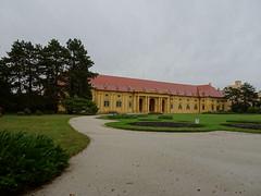 Lednice: Palace and Palace gardens (fchmksfkcb) Tags: czechrepublic czechia tschechien tschechischerepublik cesky ceskarepublika eskrepublika cechy lednice breclav valtice mikulov klentnice sirotcihradek beclav sirothrdek