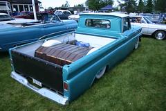 Chevrolet 1965 truck (Drontfarmaren) Tags: classic cars chevrolet car june juni truck sweden 4 pickup american motor sverige 1965 rebro nnaboda