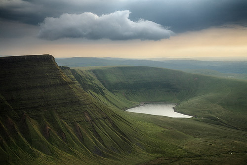 Llyn y Fan Fach / Guy Boden