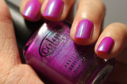 Color Club Ultra Violet (2/4)