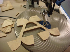 Letter cut out with a scroll saw. (Nick Sherman) Tags: museum pattern hamilton wi template scrollsaw woodtype tworivers brylski