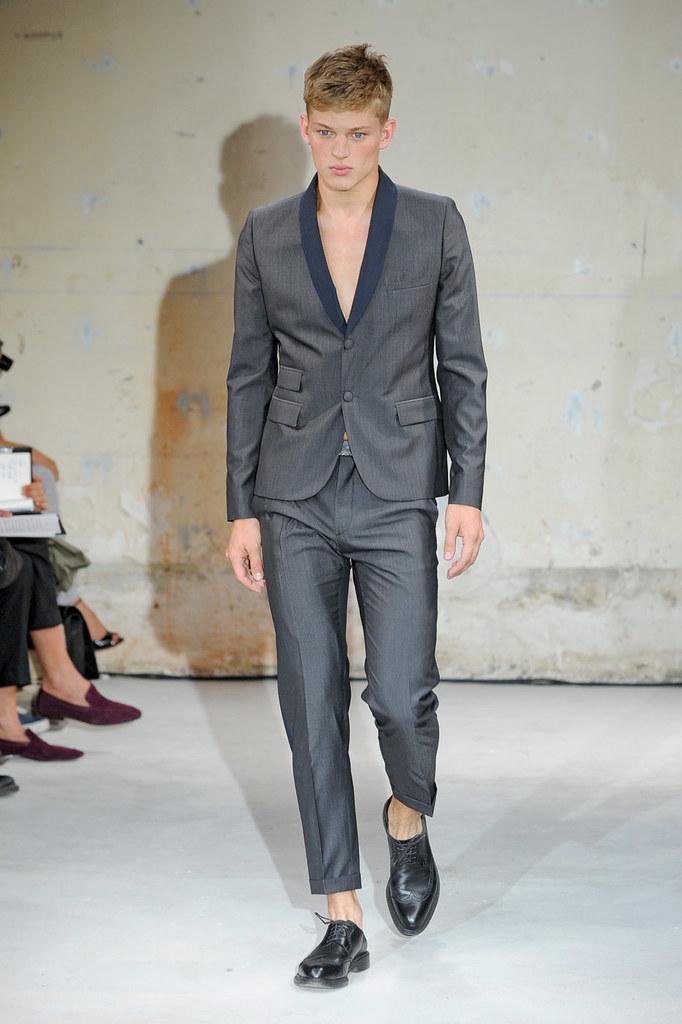 SS12 Paris Christian Lacroix018_Sebastian Sauve(Homme Model)