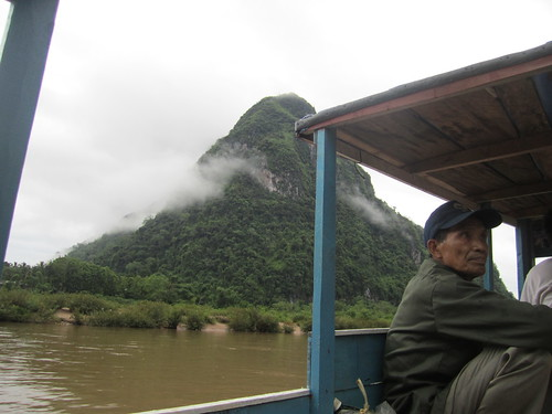 Leaving Muang Ngoi on the slow boat