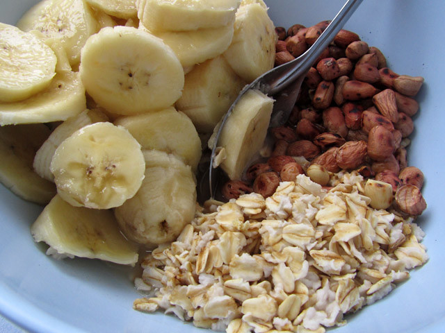 Breakfast: Oatmeal, Fruit, Peanuts