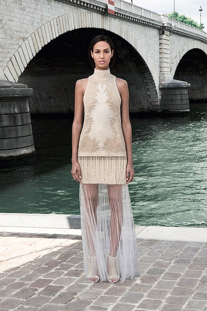 givenchy-couture-fall-2011-015_161748104069