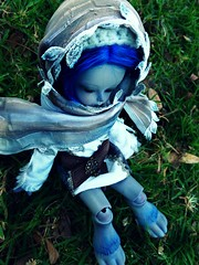 Leting all fade away (Purple  Enma) Tags: park boy espaa up grass ball spain md doll dolls bat meeting super andalucia cordoba bjd resin dollfie soom meet hansel mueca isy jointed gritt mombi