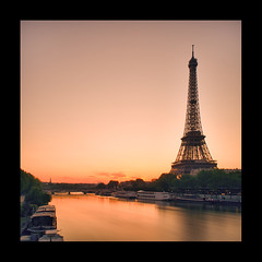 Seine on Tour in Paris (Zed The Dragon) Tags: morning bridge light sunset paris reflection water seine night reflections french lights long exposure flickr tour shot minolta sony iii eiffel musee full ciel frame pont fullframe alpha nuage alexandre nuit pyramide mange reflets hdr sal lelouvre zed francais laseine parisien 24x36 poselongue a850 sonyalpha concordians dslra850 alpha850 zedthedragon mosaique2012bz