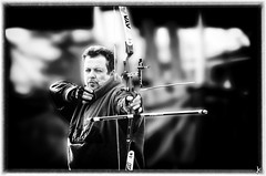 Photos & Arrows - January 2012 (Alessandro.Giorgi) Tags: field saturated photos january straw style competition center tip punta target arrows campo balance strength arrow mira flap stile challenge aletta paglia 2012 freccia frecce flaps seeks alette gara unsaturated concentrazione desaturato sfida bersaglio saturato arciere bilanciamento centroarco archarcher