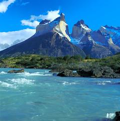 Lago Nordenskjold(N.Seebach) (Cascada Expediciones) Tags: chile travel patagonia photo lagoon torresdelpaine cascada photograpy nordenskjold